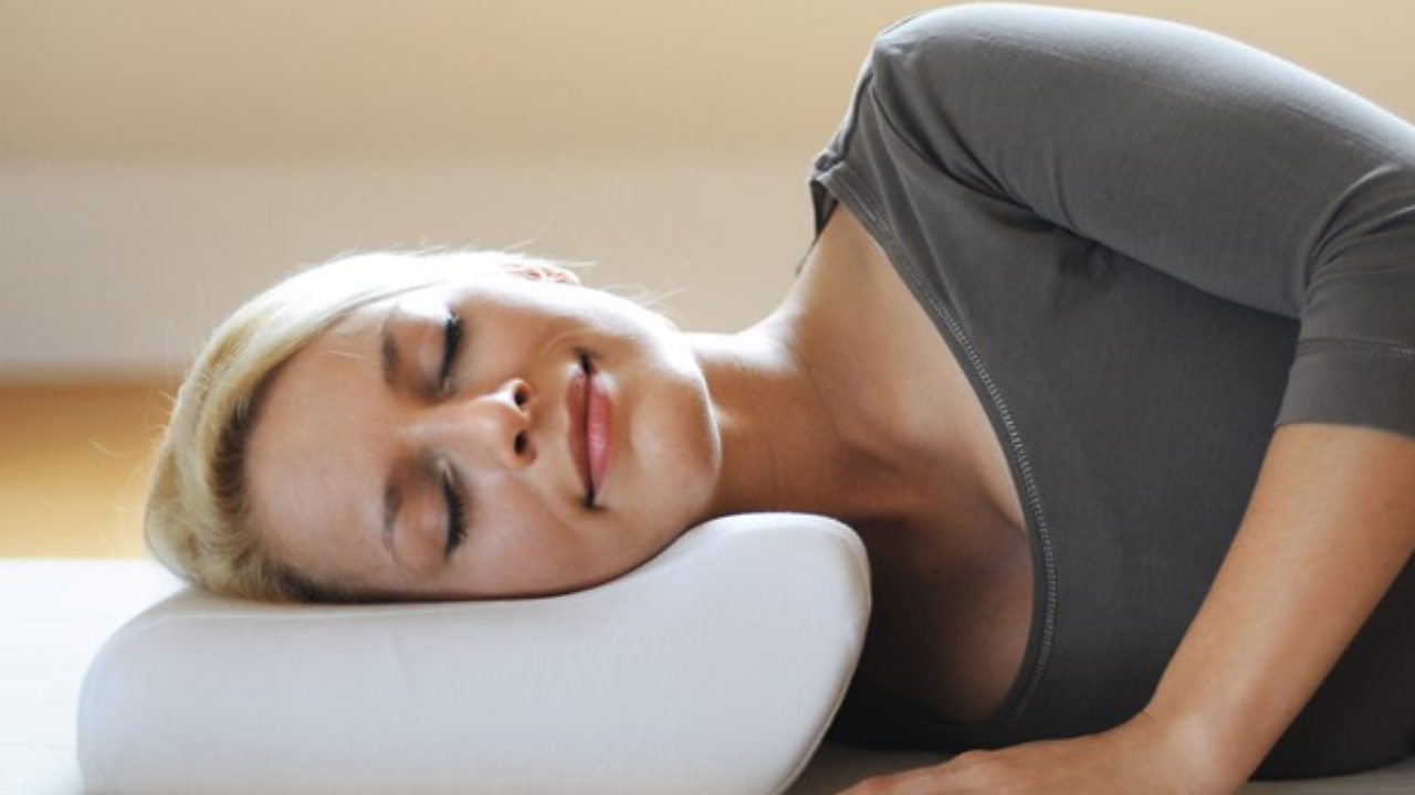Best Pillow For Stiff Neck In 2020 A Very Cozy Home