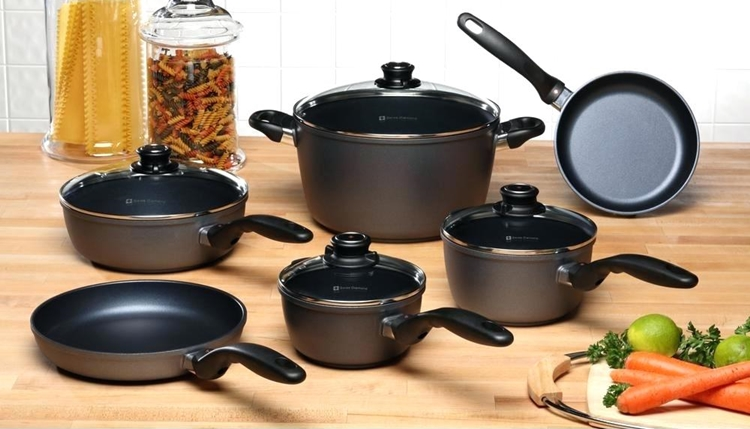 buying Ceramic Cookware