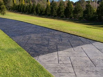 pros and cons of sealing a concrete driveway