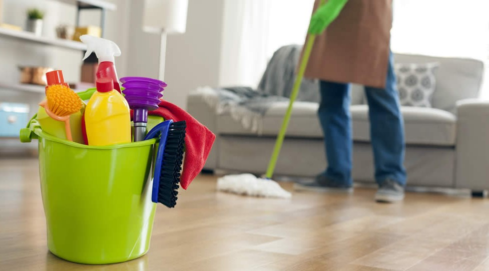 Use a professional house cleaning agency