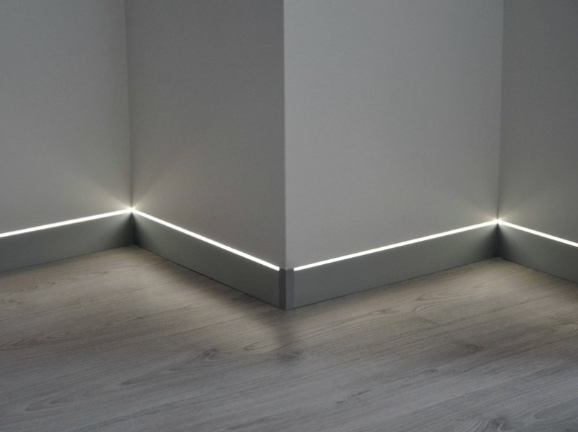 LED aluminium Skirting board