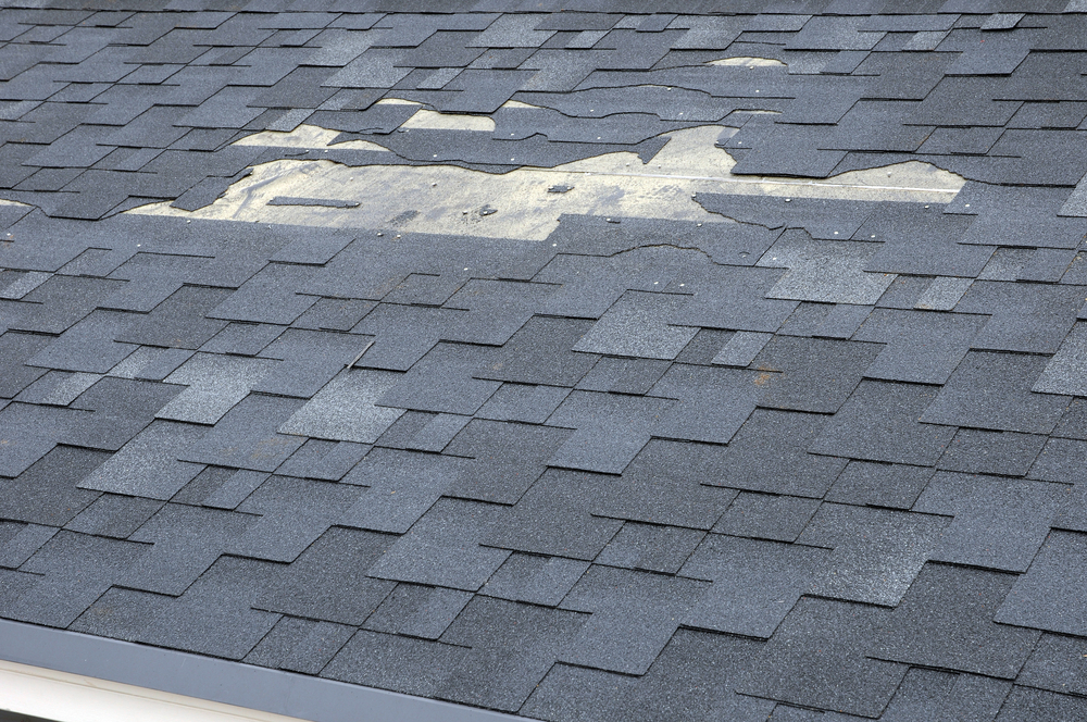 Roofing Company Tips For Knowing When Your Roof Needs Fixing