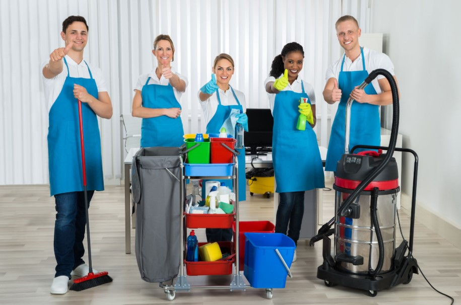 HIRING A PROFESSIONAL HOUSEKEEPING SERVICE
