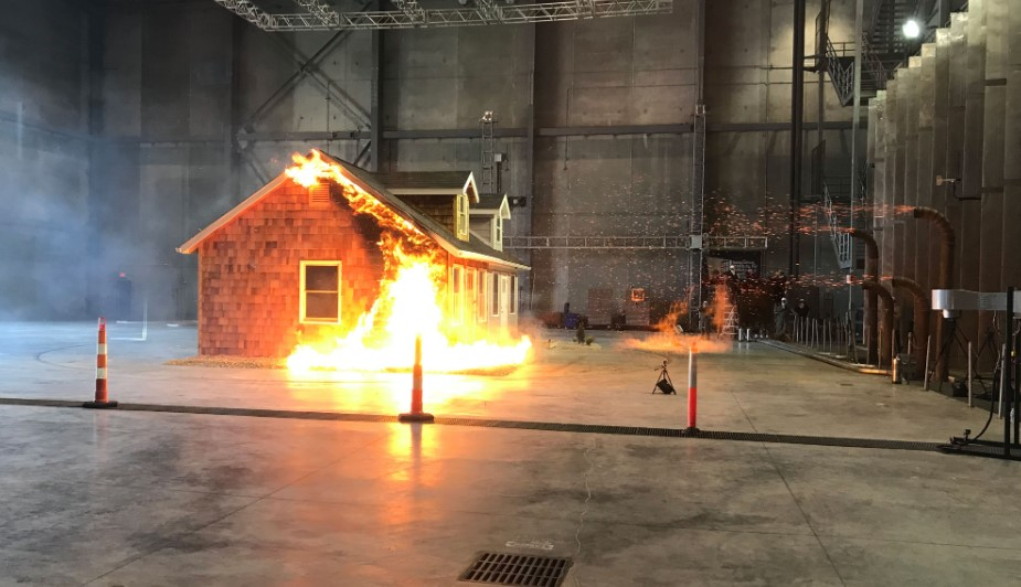 Exercise to extinguish the flames of a house