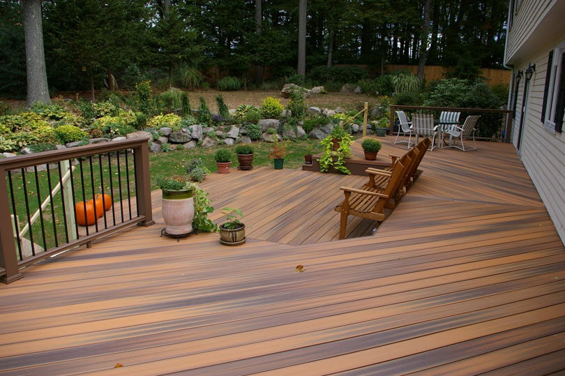 Tips On How To Successfully Stain Your Deck