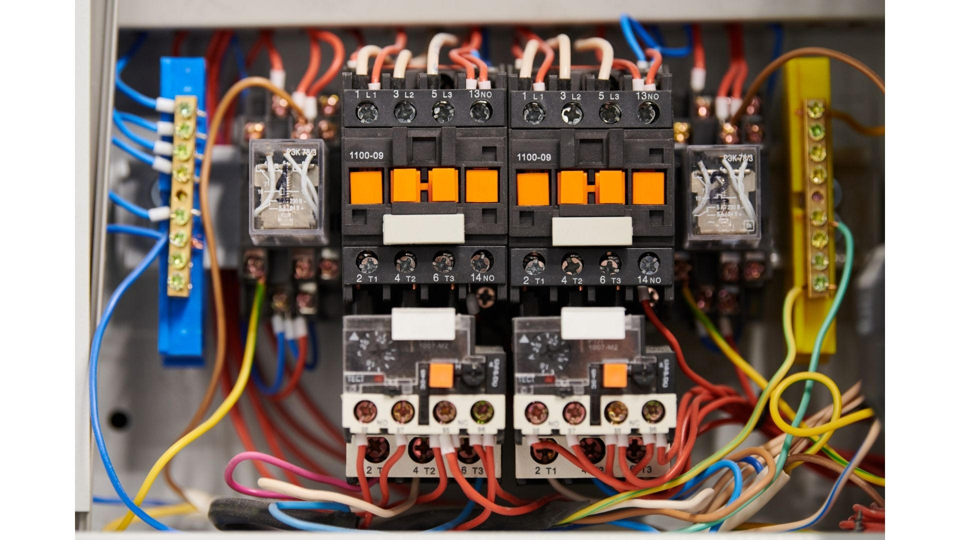 How Do Circuit Breakers Safeguard Our Homes?